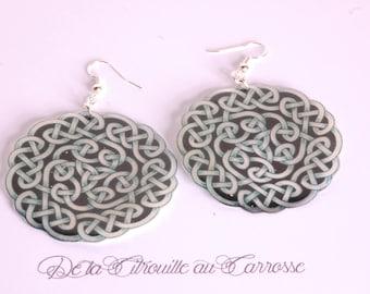Celtic knot earrings, black and blue