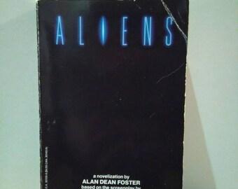 Retro Aliens 1986 paperback book