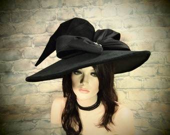 "Witch Hat ""Gala Galls"""