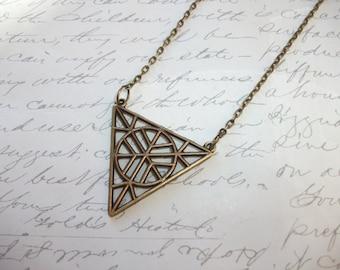 Triangle pendant necklace in antique bronze