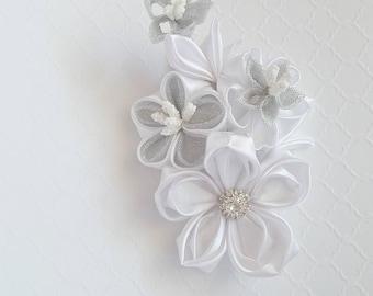 Bridal hair piece, wedding hair flower, flower hair clip, bridal hair, bridal hair accessory, wedding hair clip, barrette, white bridal clip