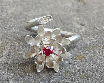 Silver Ring Water lily red