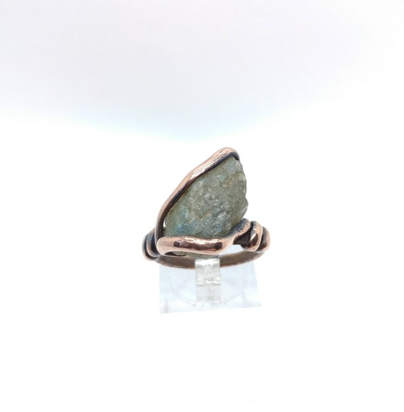 Raw Labradorite Ring | Copper Ring Sz 8 | Labradorite Crystal Ring | Rough Labradorite Ring | Raw Stone Ring | Rustic Gemstone Ring