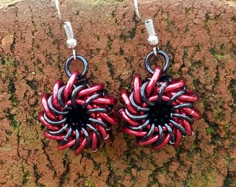Red and Black Whirlybird Chainmaille Earrings