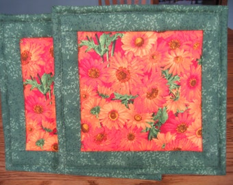 Quilted Pot Holders in an Orange Daisy Pattern - Set of 2