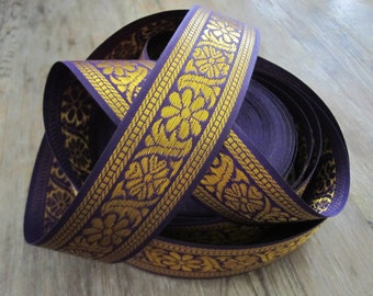 Indian trim in purple and gold - 1 yd. Indian sari border trim with a floral pattern. 38mm wide trim, Indian ribbon, gold and purple trim