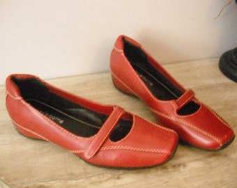 vintage RED Leather MARY JANES  ... flats Liz Claiborne size 6