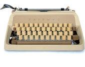 Vintage Typewriter, Worki...