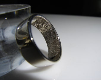Fingerprint wedding set. Detailed fingerprint engraved in sterling silver. Free Priority shipping in the USA, minimal First Class elsewhere.