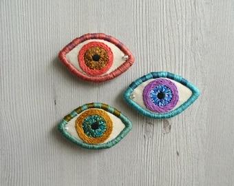 Evil eye embroidery pin, evil eye jewelry, eye brooch, anatomy jewelry, embroidered eye pin, hand stitched pin, eye broach, stitched badge