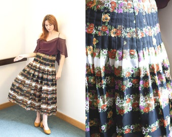 70s Floral Pleated Sheer Skirt / Black and White Striped / Stripy / 1970s / Hippy Chic / Boho / Bohemian / Size XS / Extra Small