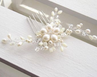 Bridal hair comb, freshwater pearl hair adornment, wedding hair comb, floral hair comb, pearl hair comb, pearl hair adornment