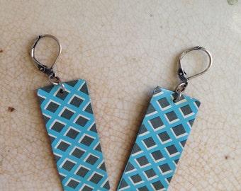 "Tin Jewelry Earrings ""Block Optic"" Tin for the Ten Year Tenth Anniversary"