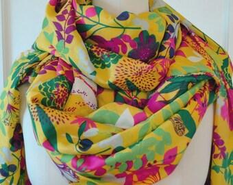 Bright floral fabric yellow fuchsia tropical fabric botanical fabric tropical leaf print semi sheer silky polyester apparel fabric Caftan