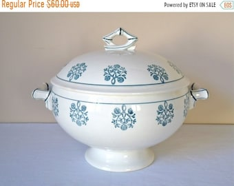 50% DISCOUNT 1950 French Antique Tureen French Tureen - Sarreguemines Tureen
