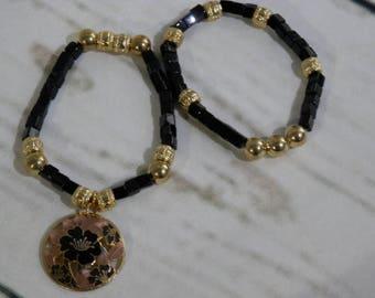 Charme Vintage peint émail sur un Duo modern Stretch Bracelets noir et doré