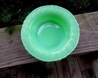 MCKEE JADEITE LAUREL  scalloped cereal bowl