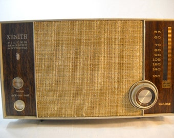 Zenith Vintage N615C AM Tube Radio 1965 filtre aimant antenne livraison gratuite