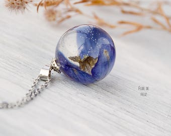 Blue dainty necklace Real floral necklace Terrarium jewelry Botanical resin necklace Resin jewelry Sphere pendant Nature Jewelry