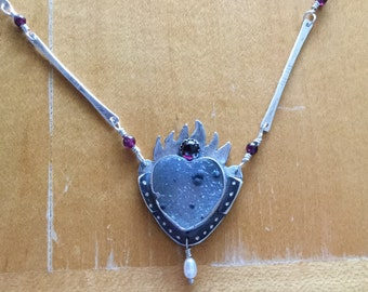 Druzy heart necklace in sterling silver. Handmade.