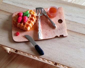 Miniature Dollhouse - Waffle Strawberry Cake