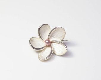 Brooch large flower tiara - silver & natural Pearl