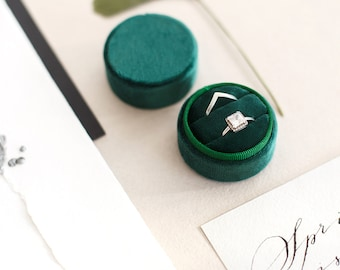Velvet Ring Box - Ring Box - Wedding - Engagement ring box - Proposal Ring Box - Personalized Gift - Double - Round - Emerald