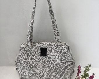 Grey and white paisley carpet bag