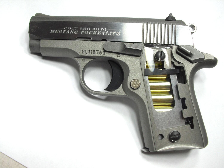 Claro Colt Mustang Pocketlite apretones