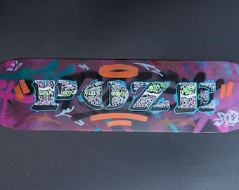 Skateboarder Deck, Custom Graffiti Art, Street Art Graffiti, Skateboard Gifts, Skate Deck Art, Skateboard Decks, Graffiti Original Gifts
