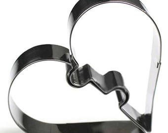 cookie cutter 2 detachable heart.