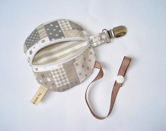 Nipple and pacifier baby - hanging - beige stars
