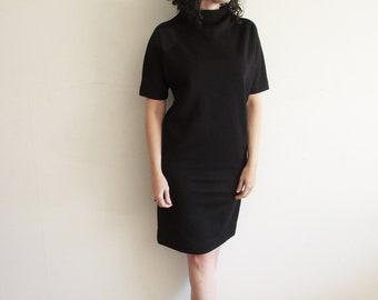 Vintage Little Black Dress/ Classic Black Dress/ Shift Dress