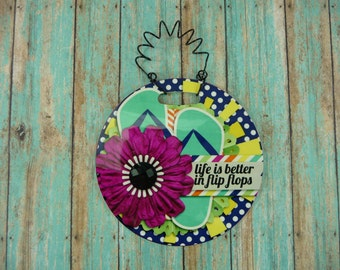 SMALL SIGN Life Is Better In Flip Flops Beach Theme Ocean Waterfront Pool Lake House Home Small Space Round Hanging frp Plastic 4 inch