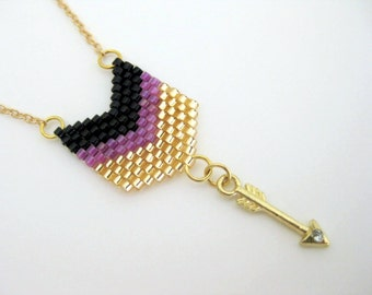 Arrow Pendant / Peyote Pendant /  Chevron Pendant /  Seed Bead Pendant in Black, Gold and Lilac  / Petite Necklace / Arrow Necklace