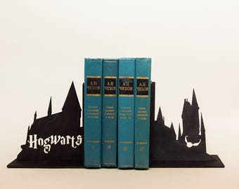 Harry Potter bookends, decor, gift, Hogwarts book ends, Book lover gift, Harry Potter accessories, birthday, gifts for her, home decor, love