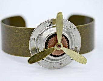 Arbeiten, die rotierenden Spinner Propeller Flieger Flugzeug auf Messing Manschette