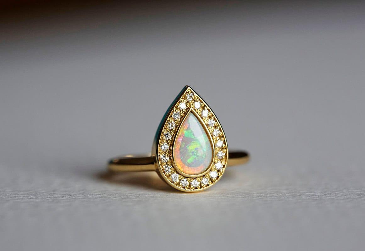 zoom - Opal Wedding Ring