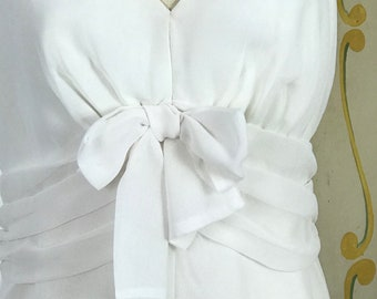 1960s White Chiffon Sleeveless Vintage Wedding Dress / 1960s Bridal Gown / Simple Wedding Dress / Casual Wedding Dress