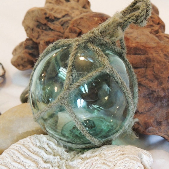 Vintage Japanese Glass FISHING FLOAT.. Net & Rare Makers Button Seal Mark (#32)