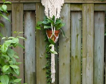 Macrame plant hanger / macrame plant holder / macrame wall hanging / bohemian / nursery decor / tapestry