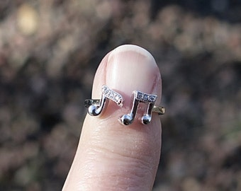 Vintage 925 Sterling Silver and CZ Music Notes Ring