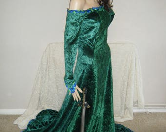 Medieval Renaissance Maid Marian costume dress Robin Hood wedding off the shoulder gown.Small - large
