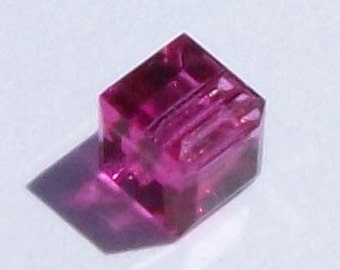 Swarovski Crystal Beads CUBE 5601 Swarovski elements beads FUCHSIA - Available in 4mm, 6mm and 8mm