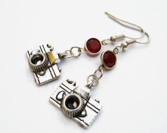 Camera Birthstone Earrings, Personalized Photography Earrings, Swarovski Birthstone, Retro Camera Earrings, Photographer Gift, Selfie Charm