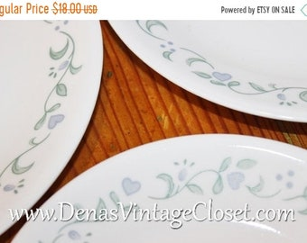 Vintage Corelle Country Garden Salad Plates and Bread  and Butter Dessert Plates Lot of 5 PCS
