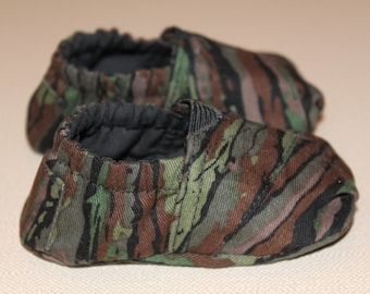 Camouflage Toms Inspired Baby Booties, Camo baby shoes, Camo baby booties