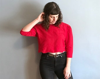 1980s 1990s Vintage Solid Red 3/4 Sleeve Crop Top Belly Shirt w Black Buttons & Scalloped Edge / Solid Plain Puffy Shoulder Blouse / S M