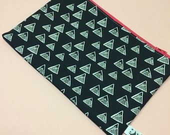 Make-up Bag - Mountains  -Make-up bag - zipper pouch- phone pouch - cosmetic purse-cosmetic bag- pencil case - Black & whote mountains.