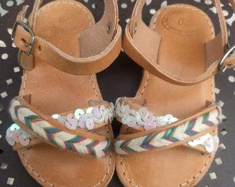 Girls leather sandals,baby sandals,greek sandals,criss cross sandals,ankle strap sandals,kids sandals,صنادل الاطفال,sandales pour enfants